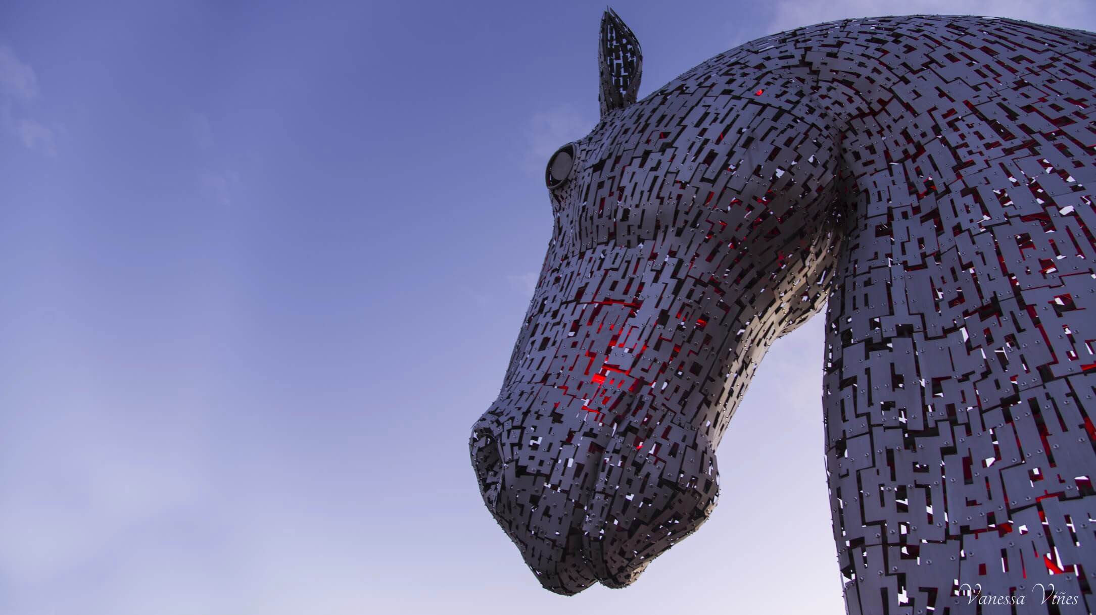 The Kelpies - Head in red